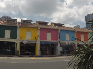 A glimpse of Little India and Kampong Glam shops